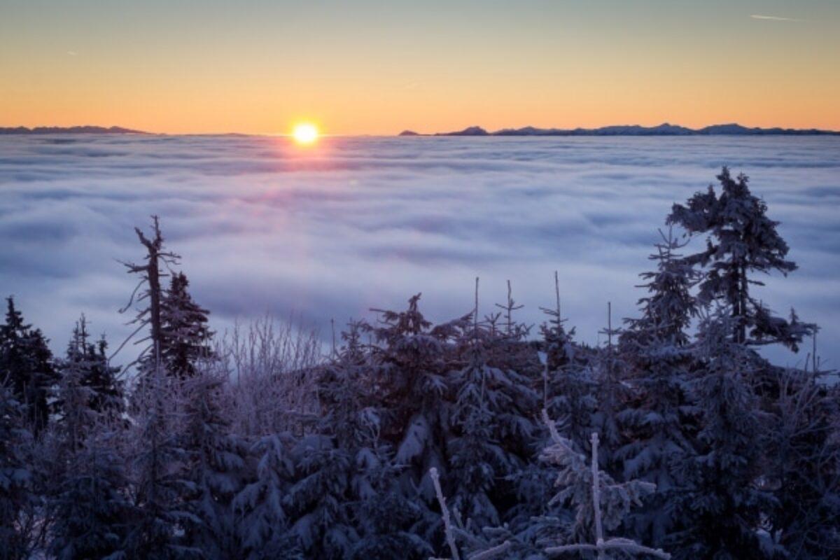 Svítání na Lysé hoře podruhé (po žluté)